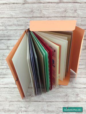 Aufbewahrung für Grußkarten in Form eines Albums. DIY aus Tonkarton. Es passen zehn Klappkarten hinein.